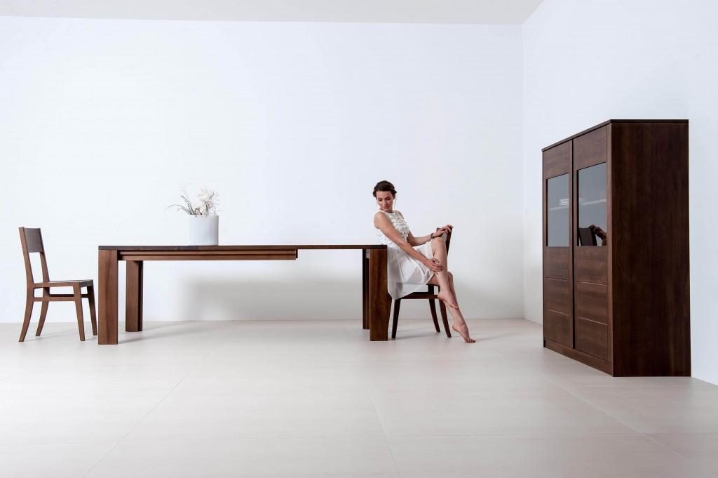 Tischlerei CNC Innenausbau Massivholzmöbel Tisch Buche Nuss gebeizt