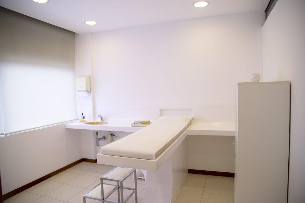 Innenarchitekt Objekteinrichtung Geschäftseinrichtung Büromöbel Praxis Ordination Warteraum Behandlungszimmer