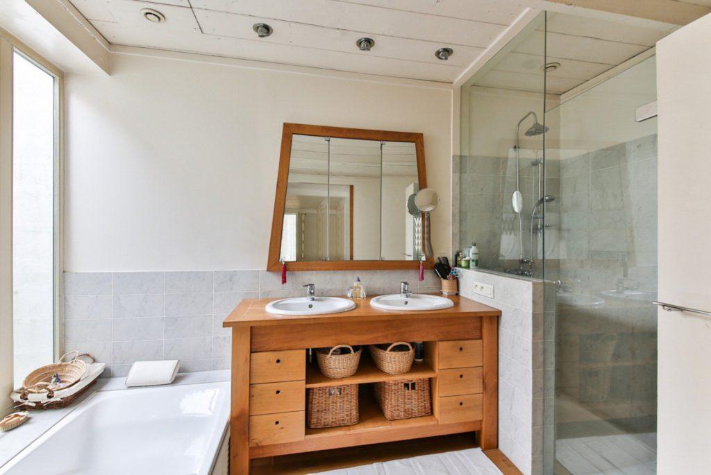 Altbausanierung Badsanierung Küche Schrankraum Badezimmer Einrichtung