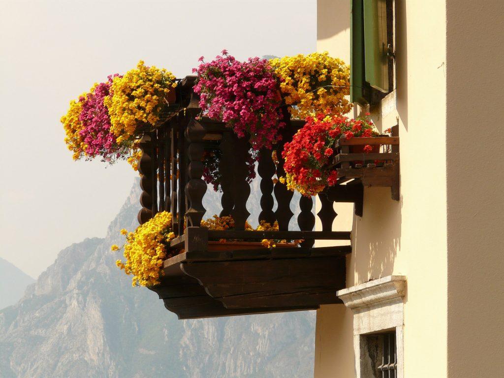 Zimmerei Holzbau Balkon Terrasse Bauernhaus country style