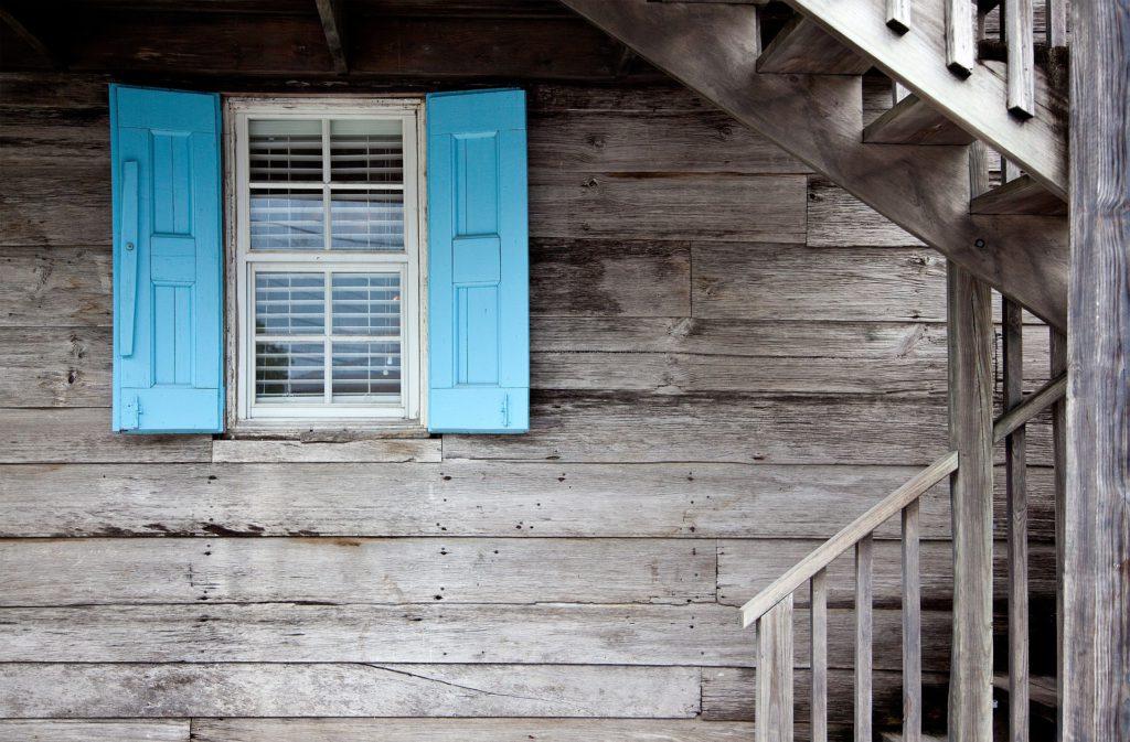Sanierung Renovierung Fenster Fensterbalken Fensterläden