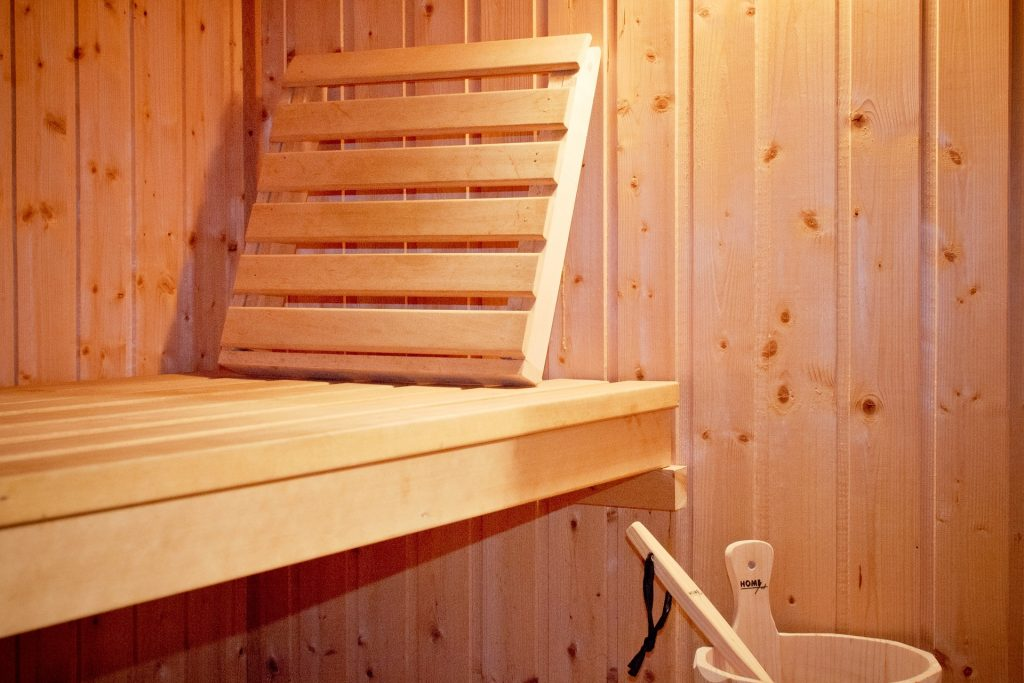 Maßanfertigung CNC Sauna Infrarotkabine Holz Strohmaier