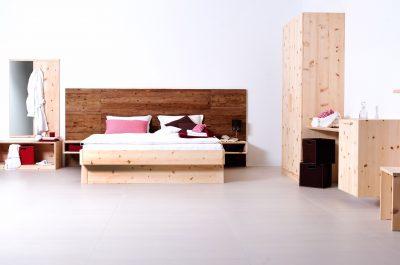 Tischlerei CNC Innenausbau Massivholzmöbel Schlafzimmer Zirbe Altholz
