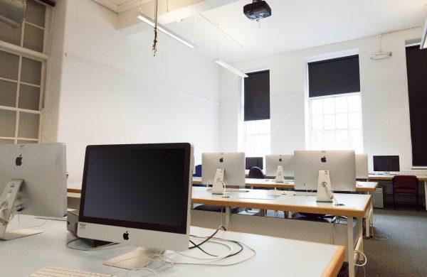Innenarchitekt Objekteinrichtung Geschäftseinrichtung Büromöbel Schule Universität Klassenzimmer Computerraum
