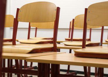 Innenarchitekt Objekteinrichtung Geschäftseinrichtung Büromöbel Schule Universität Klassenraum