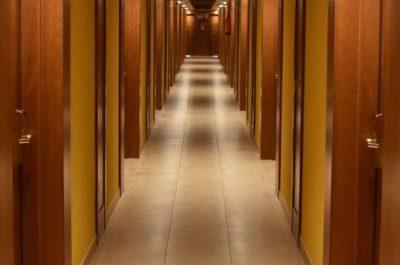 Tischlerei Reparatur Garantie Tür Boden Architektur